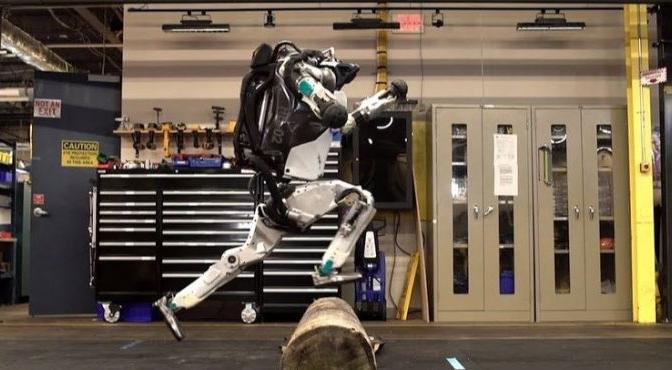 Un robot Américain capable de réaliser une course d'obstacle